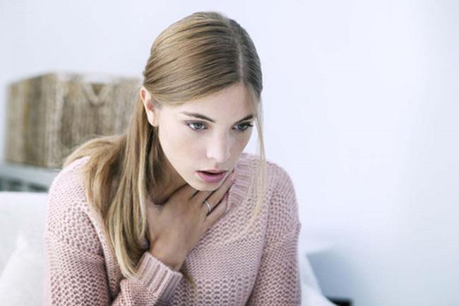 Tưởng bị viêm phổi ai dè bị ung thư phổi, người phụ nữ hối hận vì bỏ qua dấu hiệu quan trọng này - Ảnh 2.