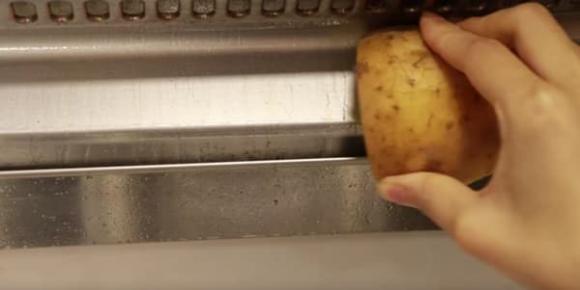 Khoai tây nảy mầm là bảo bối ở nhà rất hữu ích, 3 công năng thần kỳ này sẽ khiến bạn không vội vứt bỏ-2