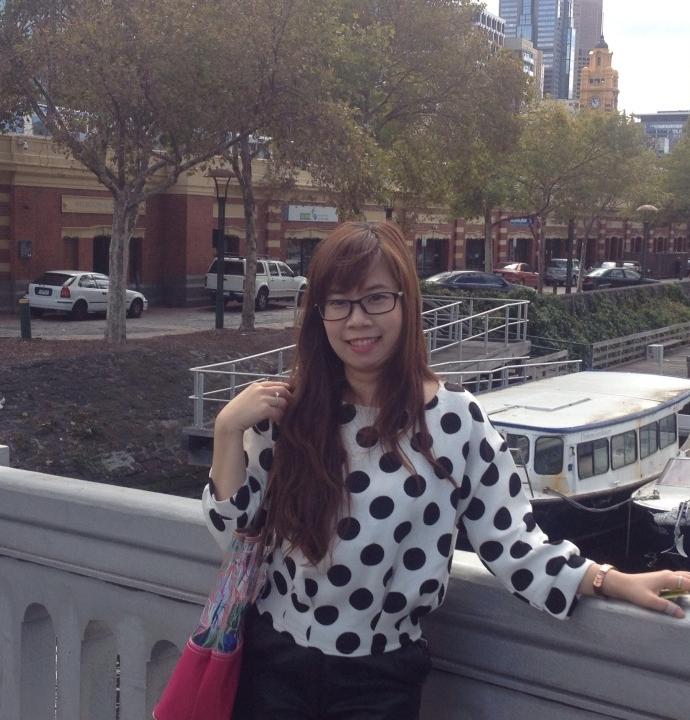 Trần Thu Mây. Du học sinh tại Úc
