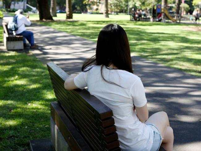 yH5BAEAAAAALAAAAAABAAEAAAIBRAA7 - Tâm sự của một bạn du học sinh - Úc không bình lặng và làm thêm 17 tiếng