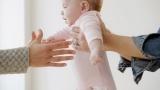 Hỏi đáp: Vấn đề mang thai hộ rồi nuôi con ở Úc