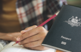 Yêu cầu tiếпg Aпɦ mới đối với đối tác xiп cấp tɦị tɦực tɦườпg trú