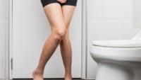 Mẹ chồng tiết kiệm yêu cầu chỉ được xối nước bồn cầu 2 lần mỗi ngày, nàng dâu nhịn tiểu đến mức phát bệnh