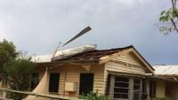 Bão lớn ở Queensland: mưa đá rơi vỡ cả kính xe, mái nhà bị thổi bay