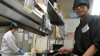 Trường dạy tiếng ở Nhật lách luật tuyển lao động Việt