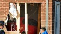 Melbourne: Đang say giấc, chủ nhà bị đánh thức bởi… một chiếc xe bay thẳng vào