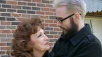 Kỳ lạ chuyện tình đi đến hôn nhân của cụ bà 71 tuổi yêu chàng trai 17 tuổi