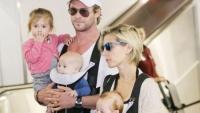 'Thor' Chris Hemsworth chọn nhầm địa điểm nuôi bầy con nhỏ tại Úc khi gần... bãi biển khỏa thân
