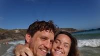 Cặp đôi người Úc bỏ việc, đi du lịch khắp thế giới chỉ với 7kg hành lý