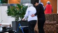 Úc: Nhu cầu tìm người chăm sóc tại nơi làm việc của người cao niên gia tăng mạnh