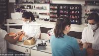 Nhân viên tiệm Nail nói xấu khách bằng tiếng Việt hoảng hồn khi nhận ra họ hiểu được