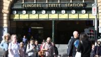 Melbourne Metro gặp áp lực đè nặng vì lượng hành khách quá tải