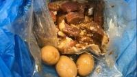 Đắng chát 'cái kết' người Việt mang thịt kho tàu vào Úc, thịt chó tới Nhật