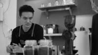Chân dung Việt kiều bỏ việc lương nghìn USD tại ngân hàng Úc, về Việt Nam khởi nghiệp quán cà phê chỉ để được… nói tiếng Việt nhiều hơn