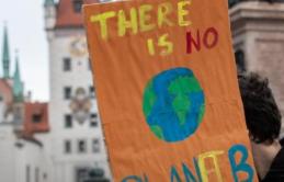 Úc: Biến đổi khí hậu ảnh hưởng đến quyết định sinh con của nhiều phụ nữ