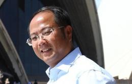 Tỷ phú Trung Quốc gây hỗn loạn cả bầu cử Úc